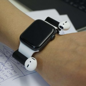 Airpods-an-Apple-Watch (1)