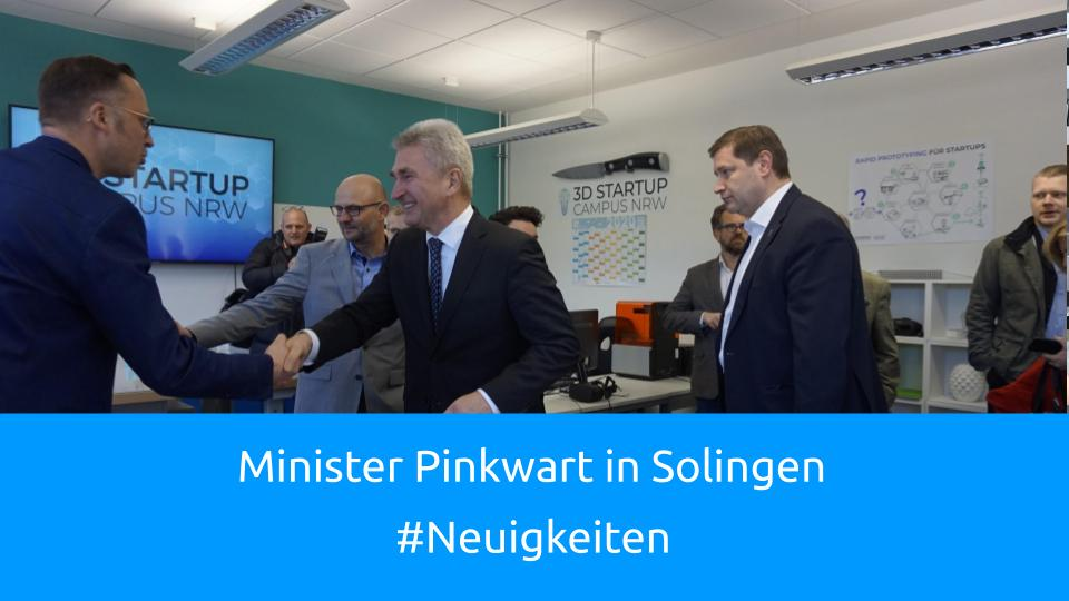 Minister Pinkwart auf dem 3D-Start-Up-Campus